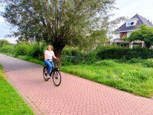 Stefani in Ik fiets T-shirt tijdens een van haar thuiswerkdag ritten